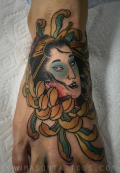 geisha ghost mum foot on mark, 2016. it's rare that i get to do the smaller tattoos these days, so this was a nice change of pace.